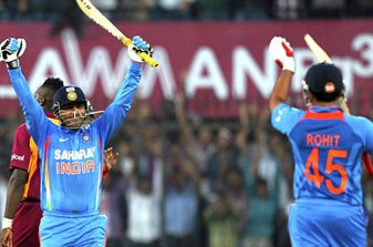 Virender Sehwag celebrates his double ton