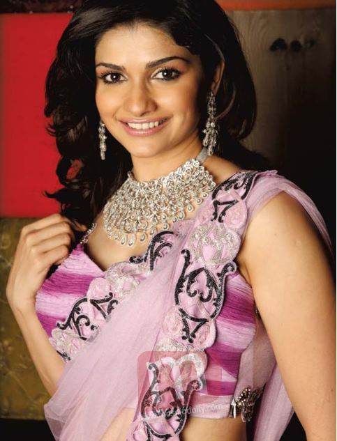 In Pink Saree With Diamond Neck-less