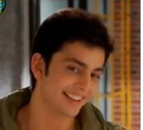 Himansh Kohli Photos