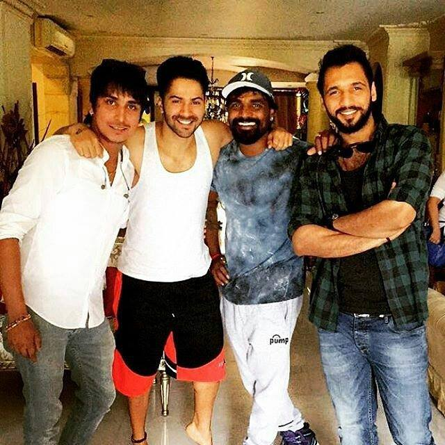 Varun Dhawan with Remo Dsouza for song shoot of Badrinath Ki Dulhania