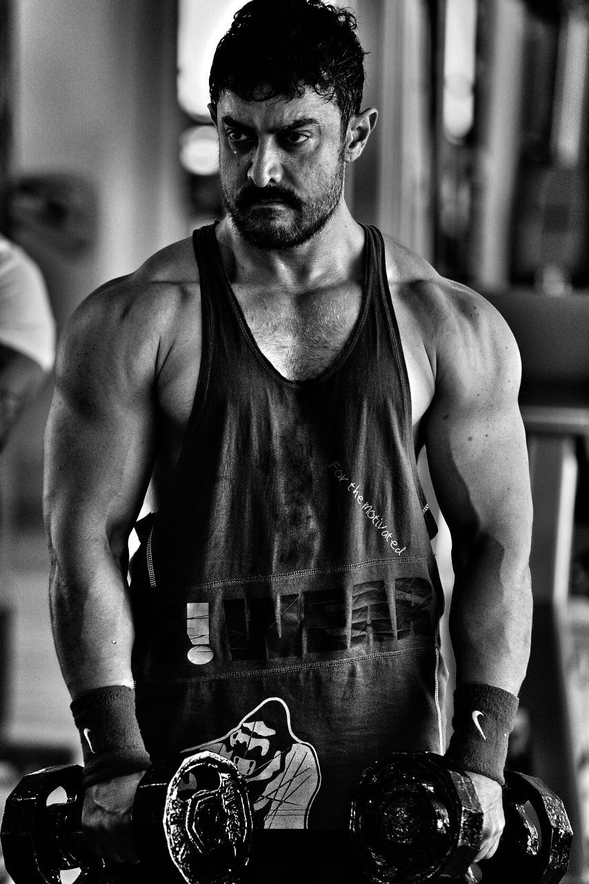 Check Out!! Aamir Khan's Muscular Look as young Mahaveer for Dangal