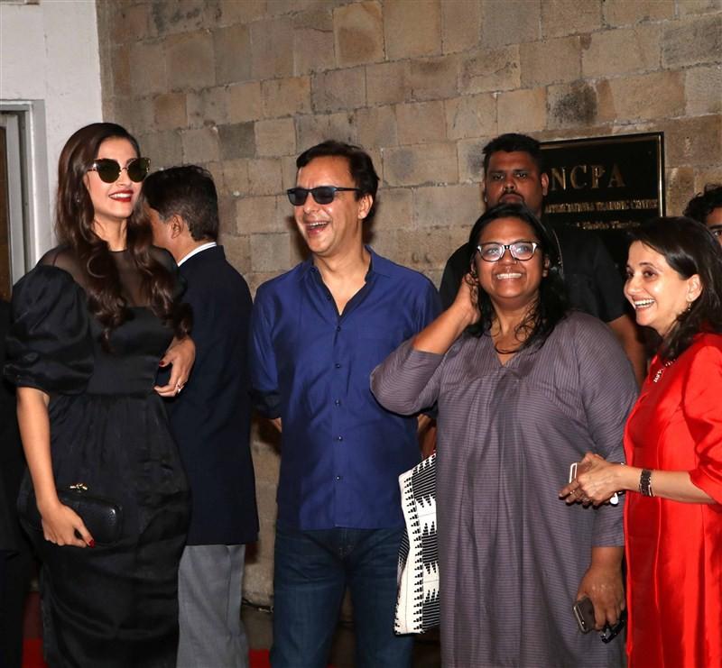 Sonam Kapoor, Vidhu Vinod Chopra & Anupama Chopra