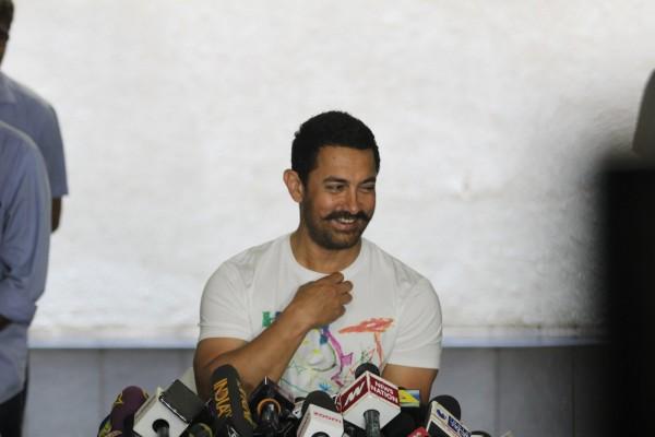 Aamir Khan Celebrates 51st Birthday-03