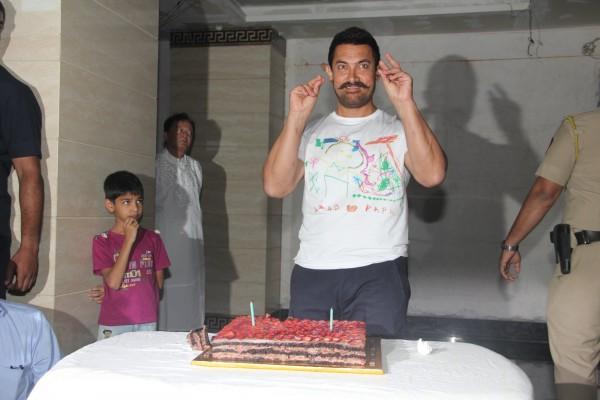 Aamir Khan Celebrates 51st Birthday-06