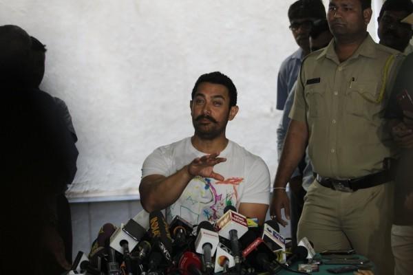 Aamir Khan Celebrates 51st Birthday-08
