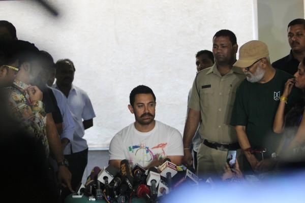 Aamir Khan Celebrates 51st Birthday-09