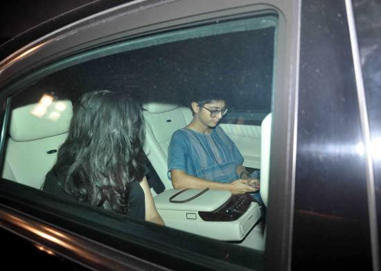 Aamir Khan & Kiran Rao Snapped Outside of Lightbox Theater in Mumbai-08