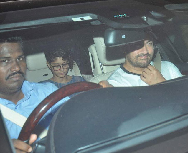 Aamir Khan & Kiran Rao Snapped Outside of Lightbox Theater in Mumbai-16