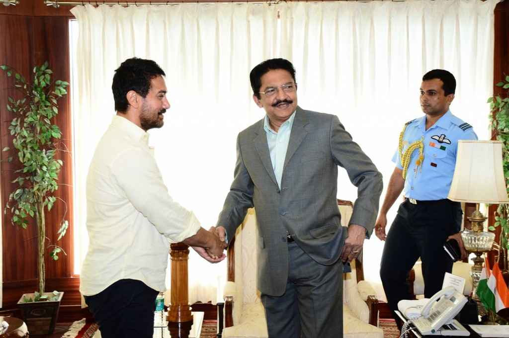Aamir Khan meets Maharashtra Governor