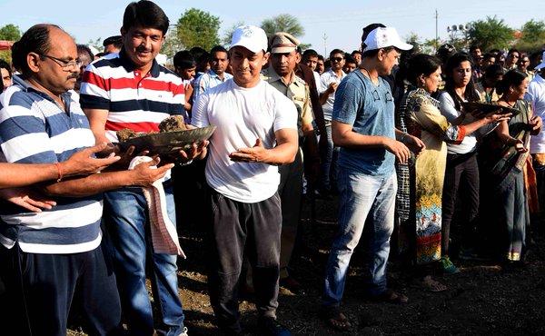 Aamir Khan at Paani Foundation Campaign