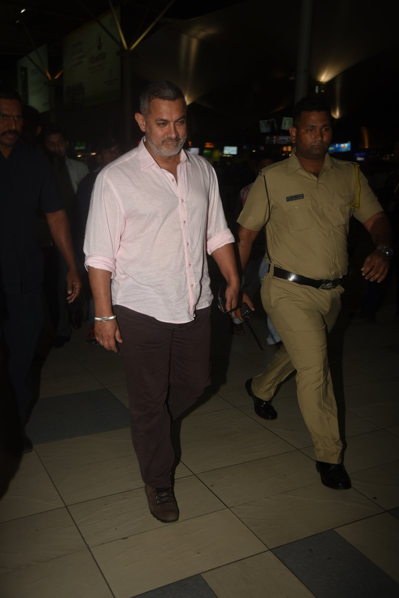 Aamir Khan Snapped at The Mumbai Airport