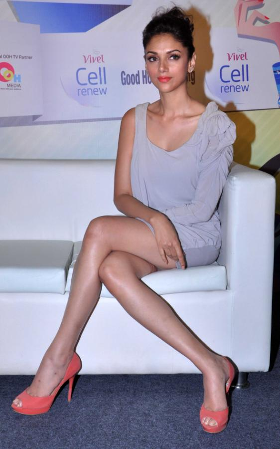 Aditi Rao Hydari Launch Vivel Cell Renew - 15