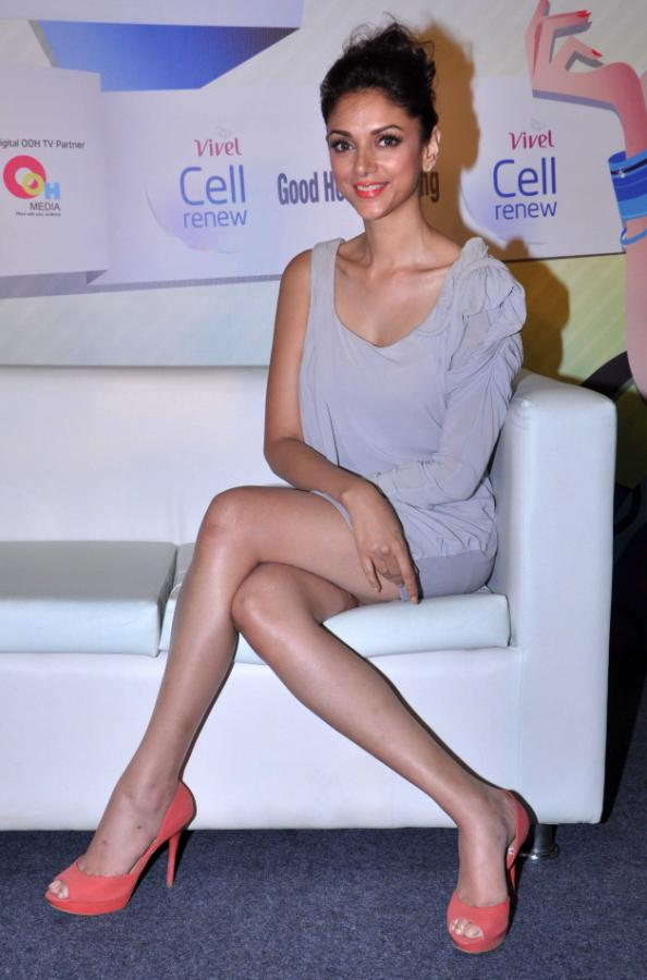 Aditi Rao Hydari Launch Vivel Cell Renew - 16