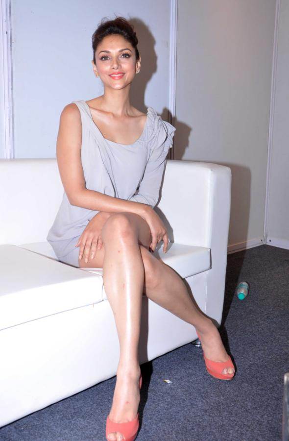Aditi Rao Hydari Launch Vivel Cell Renew - 19