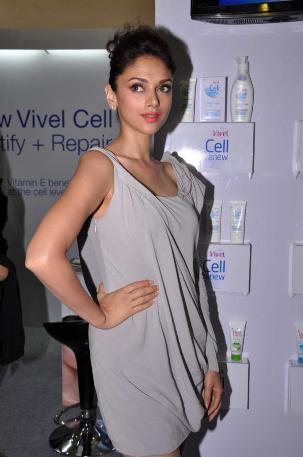 Aditi Rao Hydari Launch Vivel Cell Renew - 20