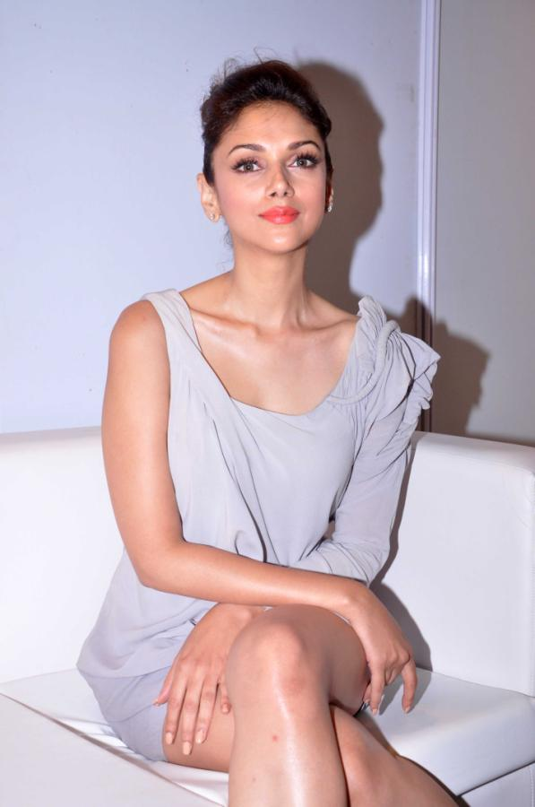 Aditi Rao Hydari Launch Vivel Cell Renew - 21