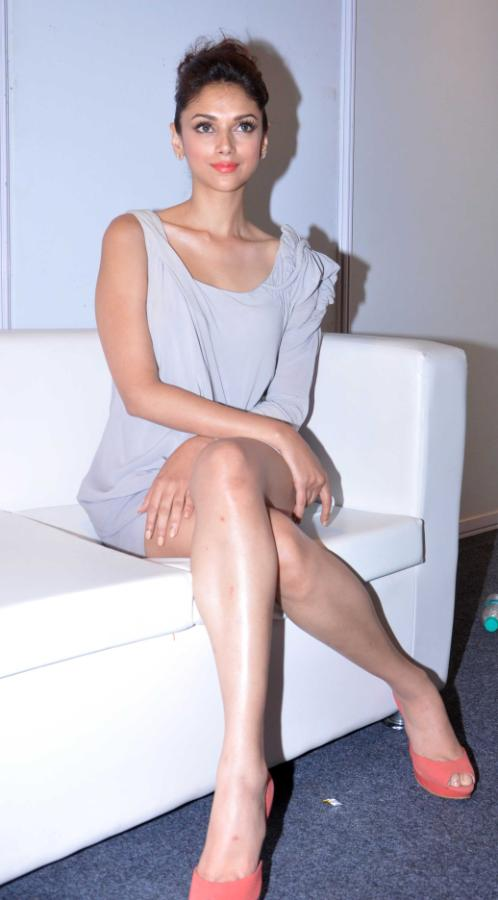 Aditi Rao Hydari Launch Vivel Cell Renew - 23