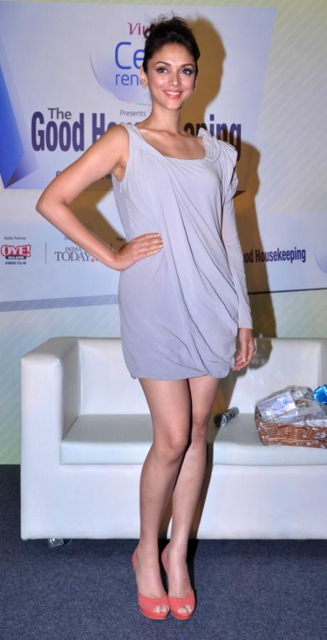 Aditi Rao Hydari Launch Vivel Cell Renew
