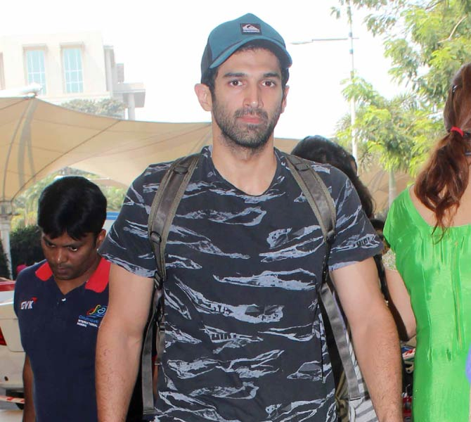 Aditya Roy Kapoor and Other Celebs Spotted at Mumbai Airport