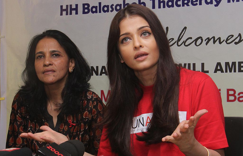 Aishwarya Rai Bachchan visits Cooper Hospital on World Aids Day in Mumbai