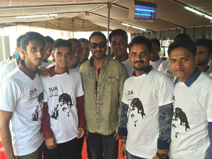 Ajay Devgan Snapped with Fans