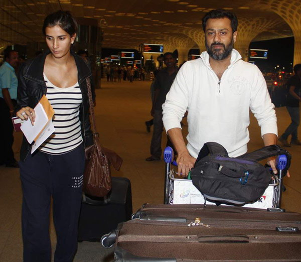 Akshay, Hrithik & Sonam Spotted at Mumbai Airport