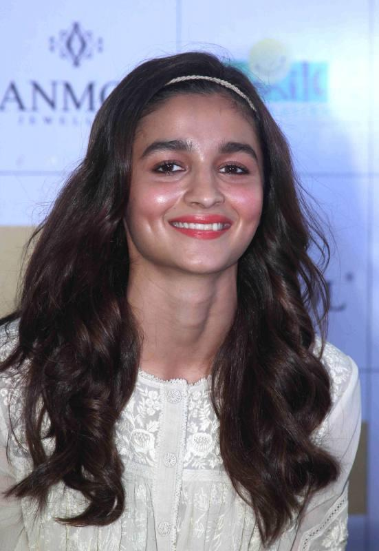 Alia Bhatt at amol pop up store for kids