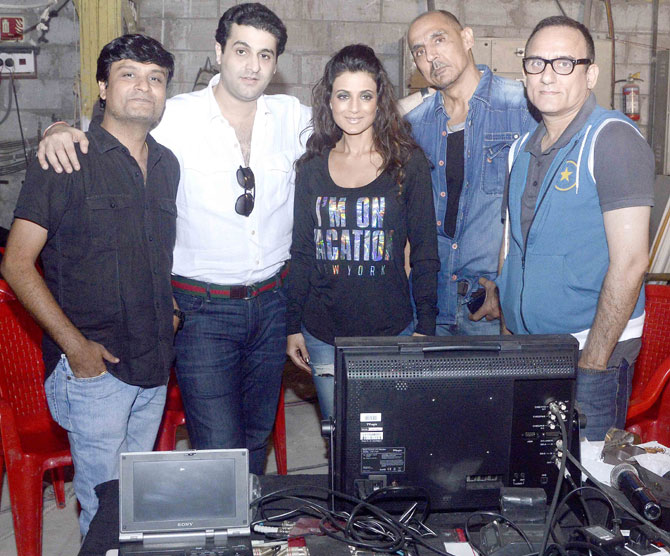 Ameesha Patel On The Sets Of Desi Magic Movie