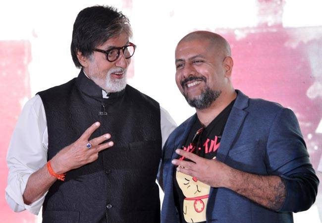 Amitabh Bachchan and Vishal Dadlani at Music Launch of TE3N