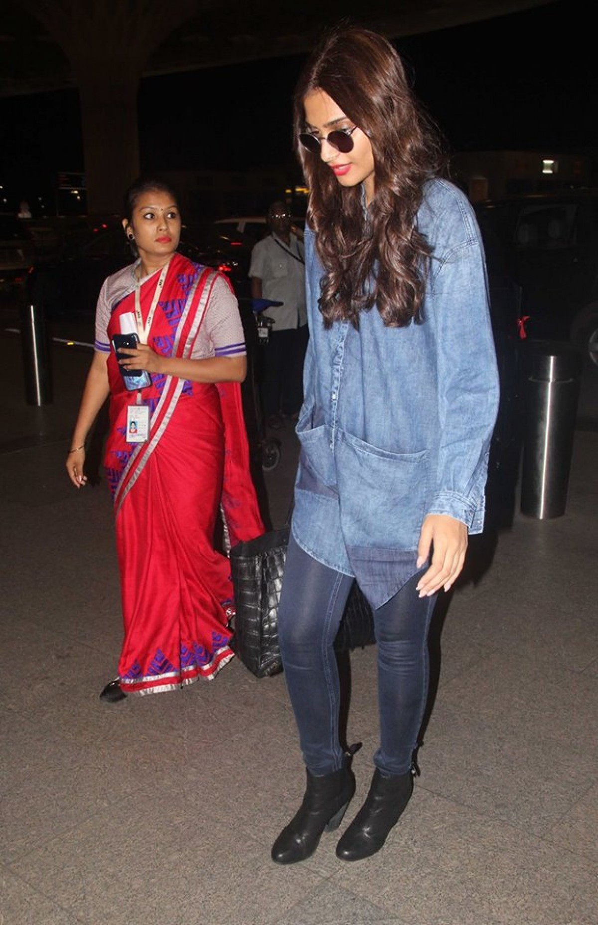 Amy Jackson, Kajol and Sonam Kapoor Spotted at Airport
