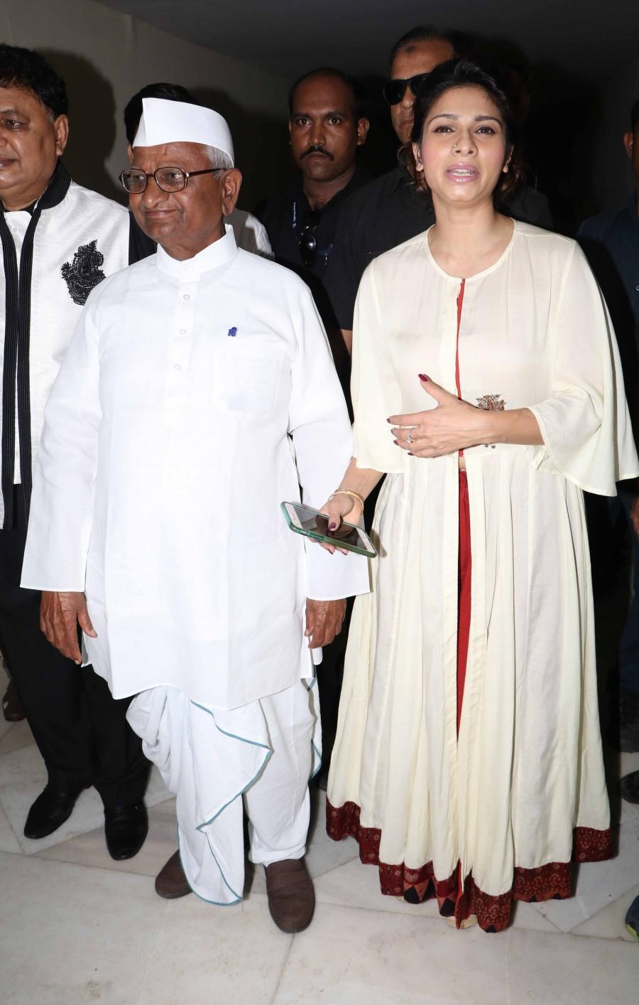 Anna Hazare and Tanisha