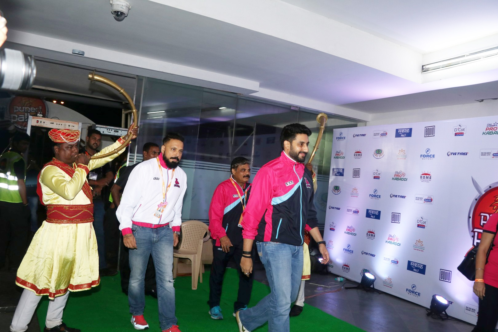 Bunty Walia & Abhishek Bachchan