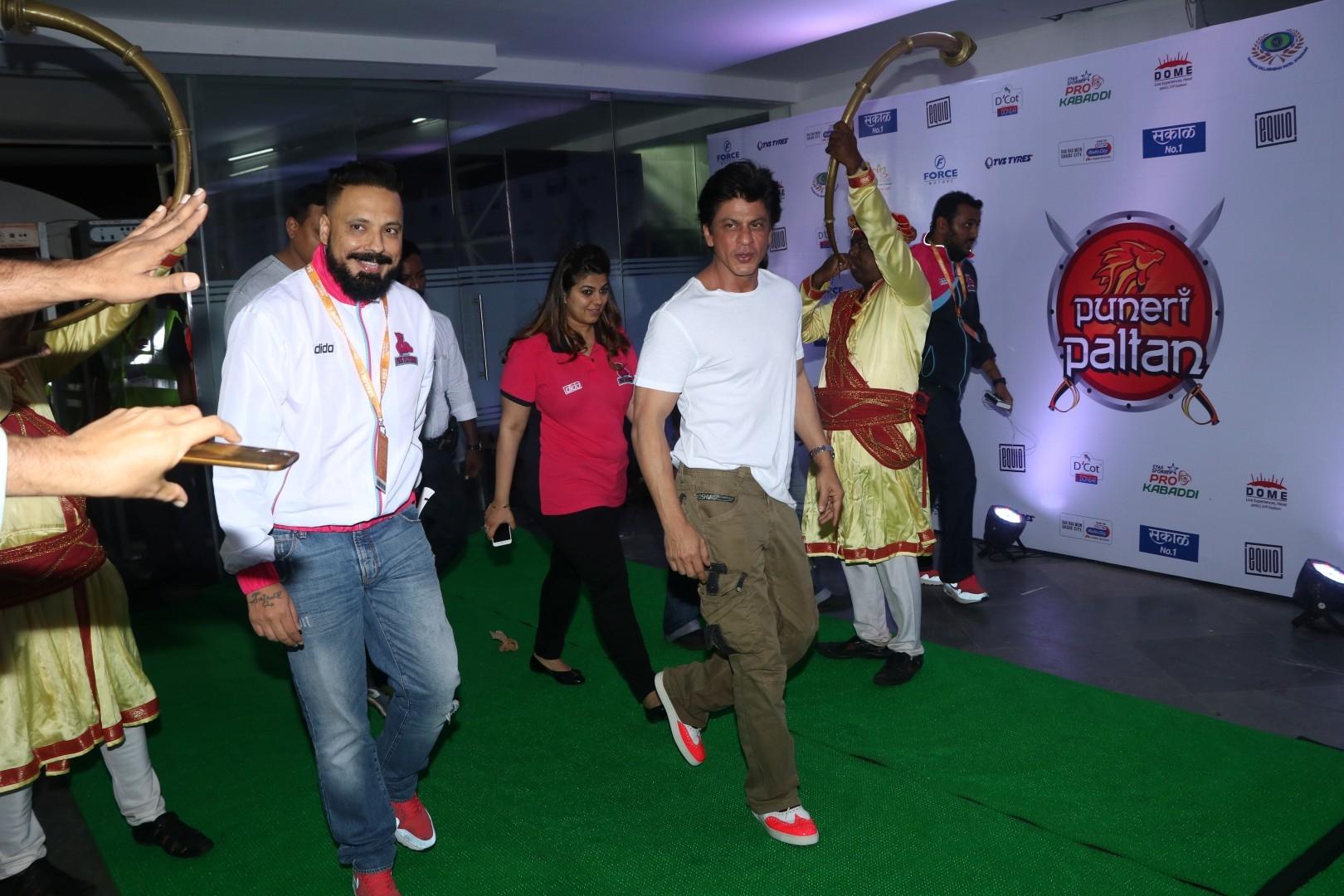 Bunty Walia & Shahrukh Khan
