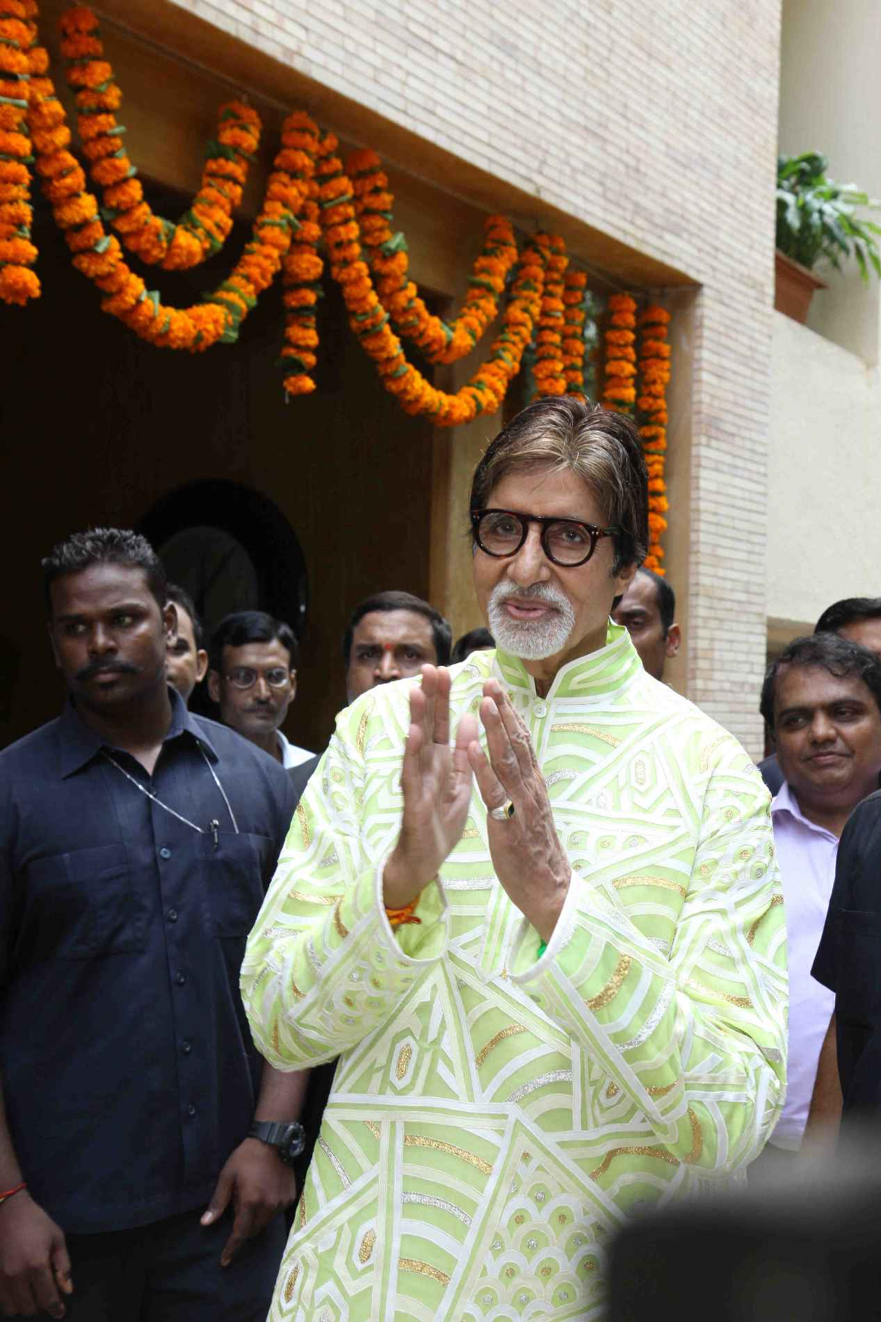 Big B Celebrated His 73rd Birthday