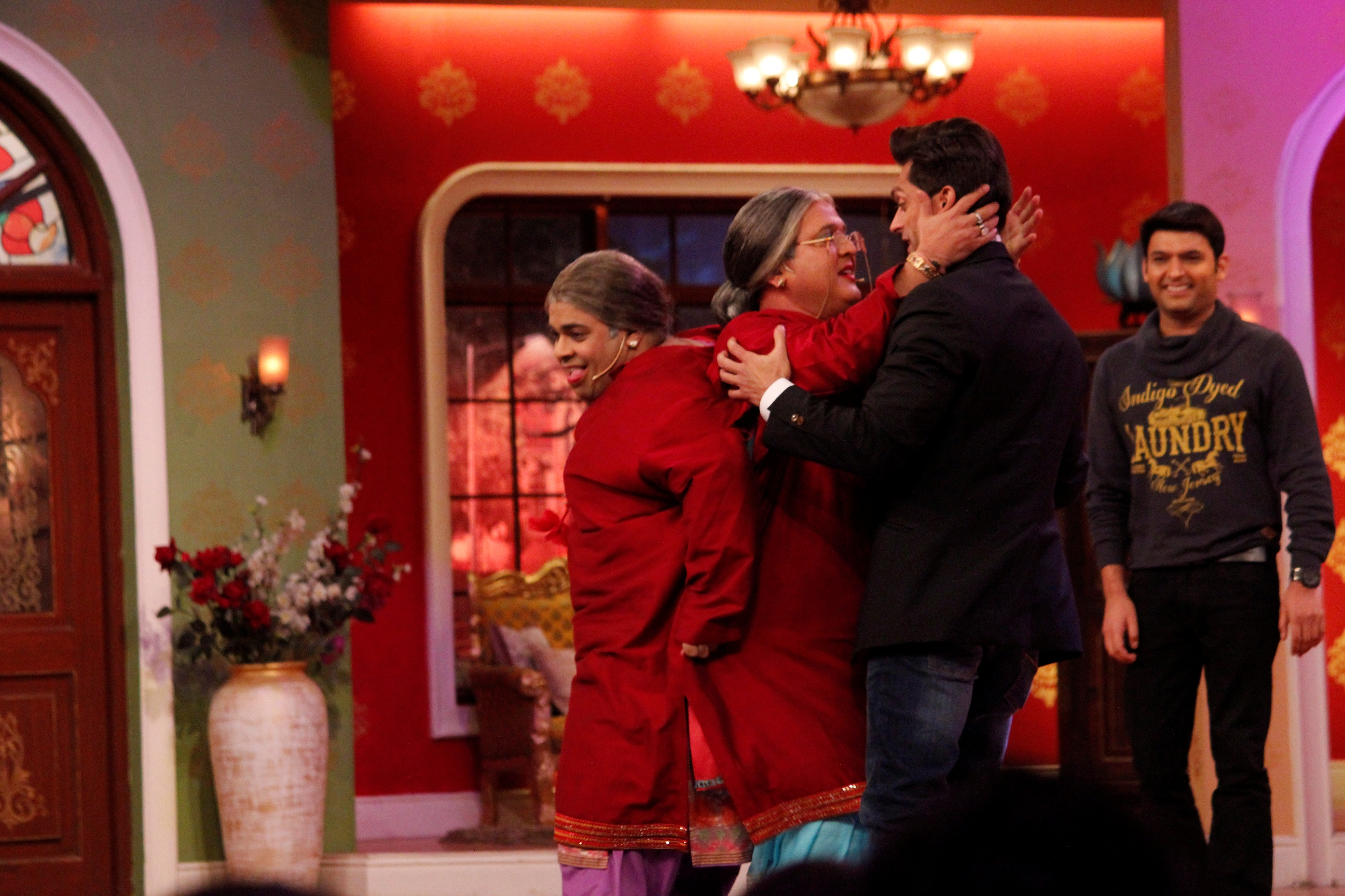 Bipasha & Karan On The Sets Of Comedy Nights With Kapil
