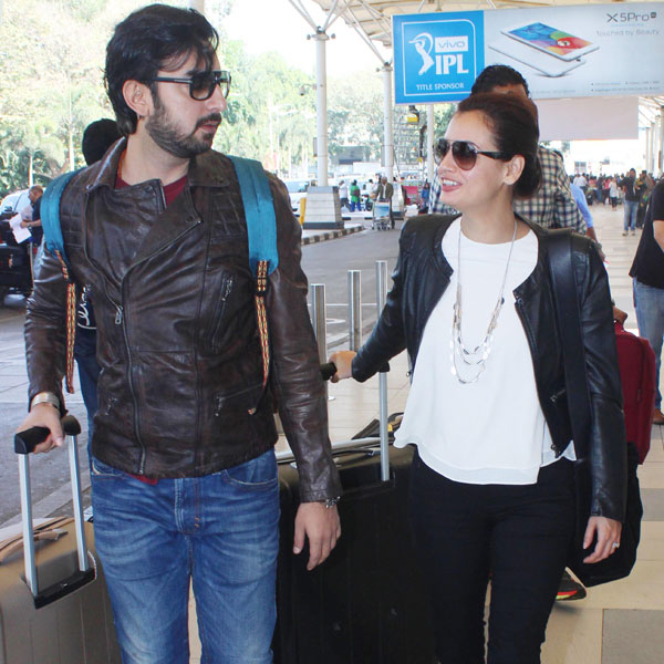 Bobby Deol, Sania Mirza & Dia Mirza Snapped at The Mumbai Airport