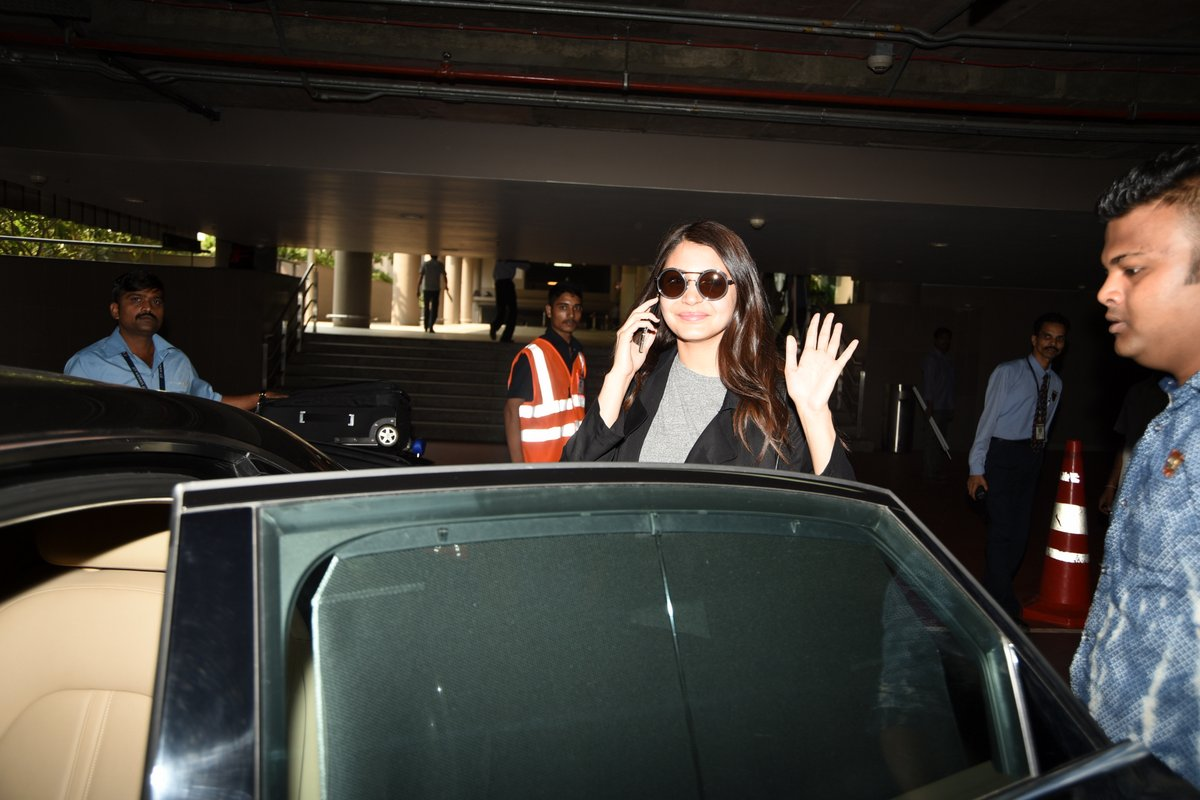 Bollywood Beauties Spotted at Domestic Airport
