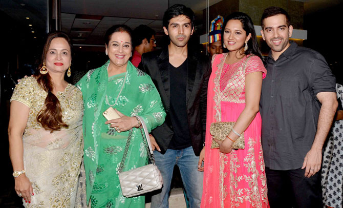 Bollywood Celebrities Attended Anand Pandits Diwali Bash 2015