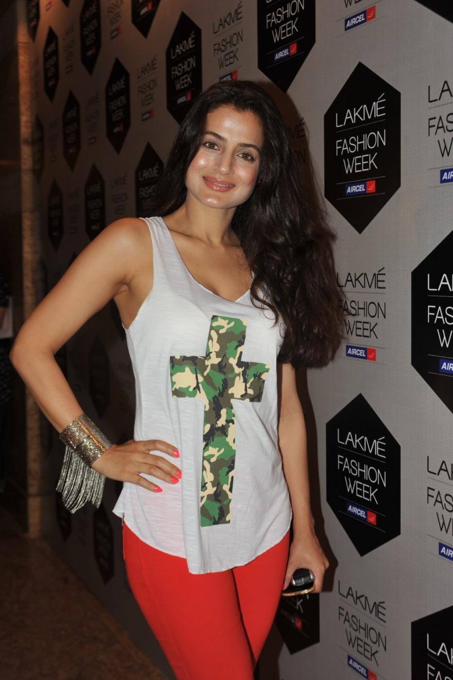Lakme Fashion Week 2012 Day 5 Photo - Ameesha Patel Cool Look
