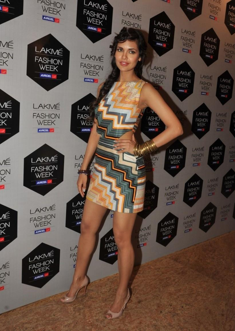 Lakme Fashion Week 2012 Day 5 Photo - Esha Gupta