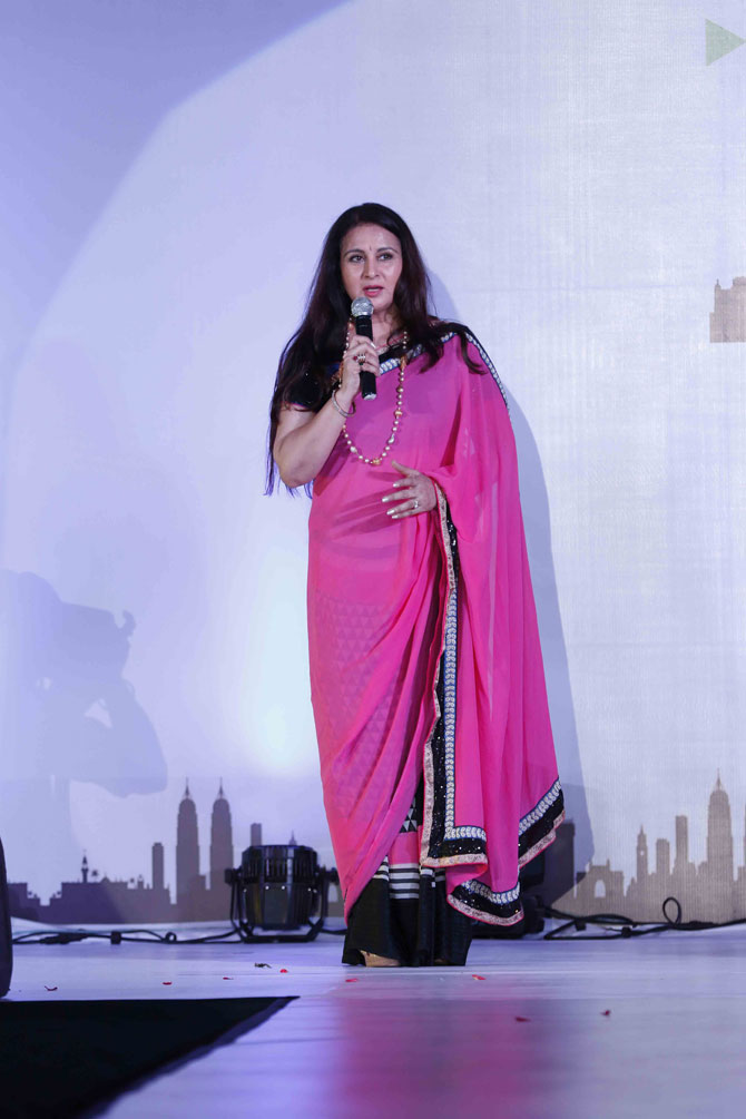 Bollywood Celebrities Walked The Ramp With Children At A