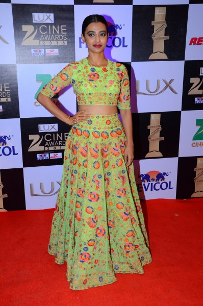 Bollywood Celebrities at Zee Cine Awards 2016