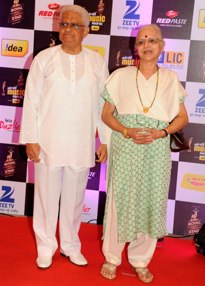 Bollywood Celebs at The 8th Mirchi Music Awards 2016