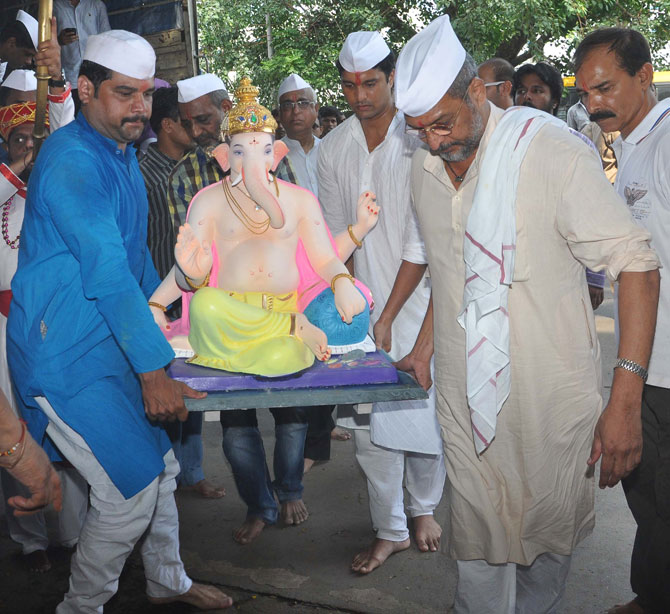 Bollywood Celebs Celebrates Ganesh Chaturthi