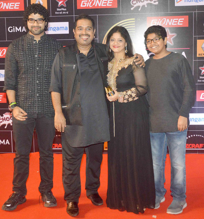 Bollywood celebs at GiMA Awards 2015