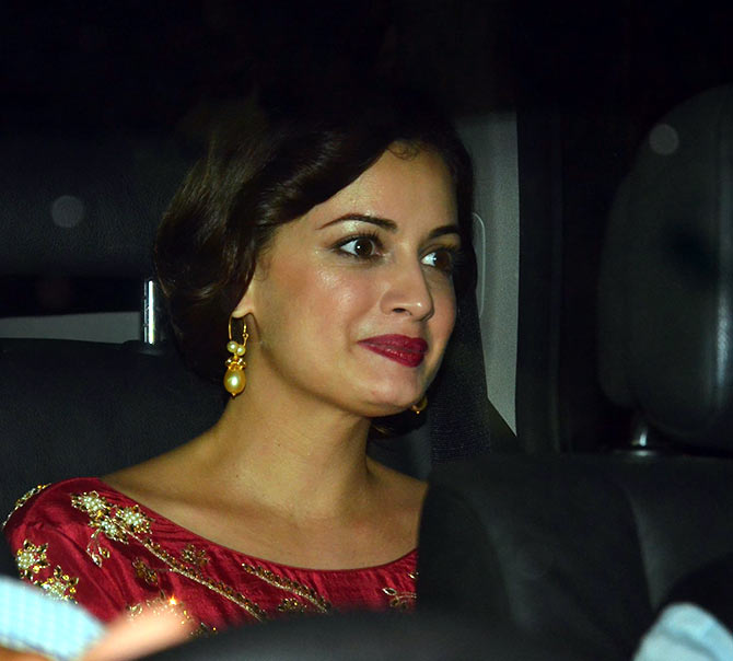 Bollywood Stars Attend Afsar Zaidis Diwali Party 2015