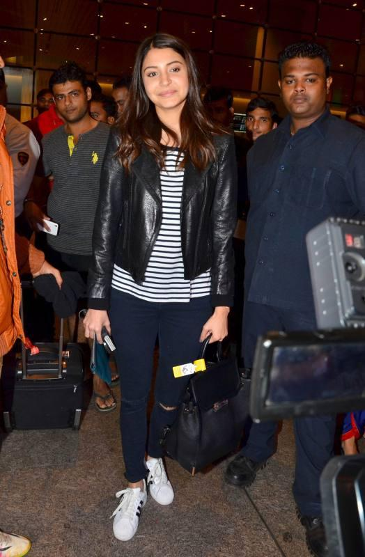 Bollywood Stars Recently Snapped at The Mumbai Airport