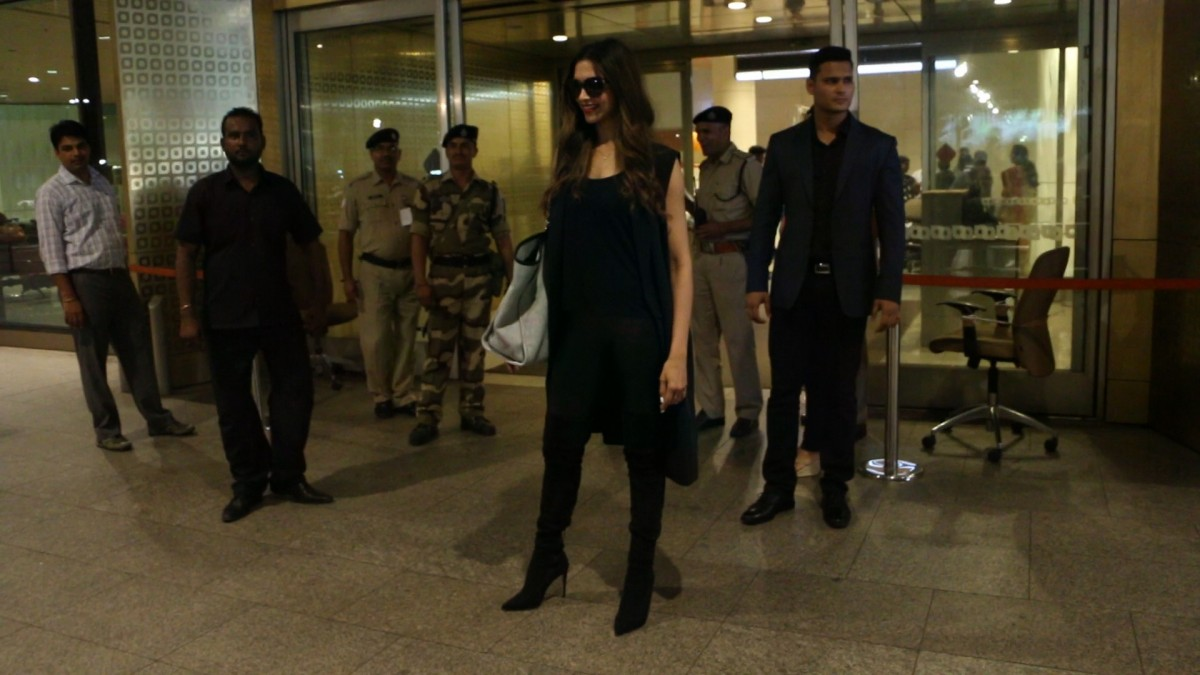 Deepika Padukone and Hema Malini Spotted at Mumbai Airport