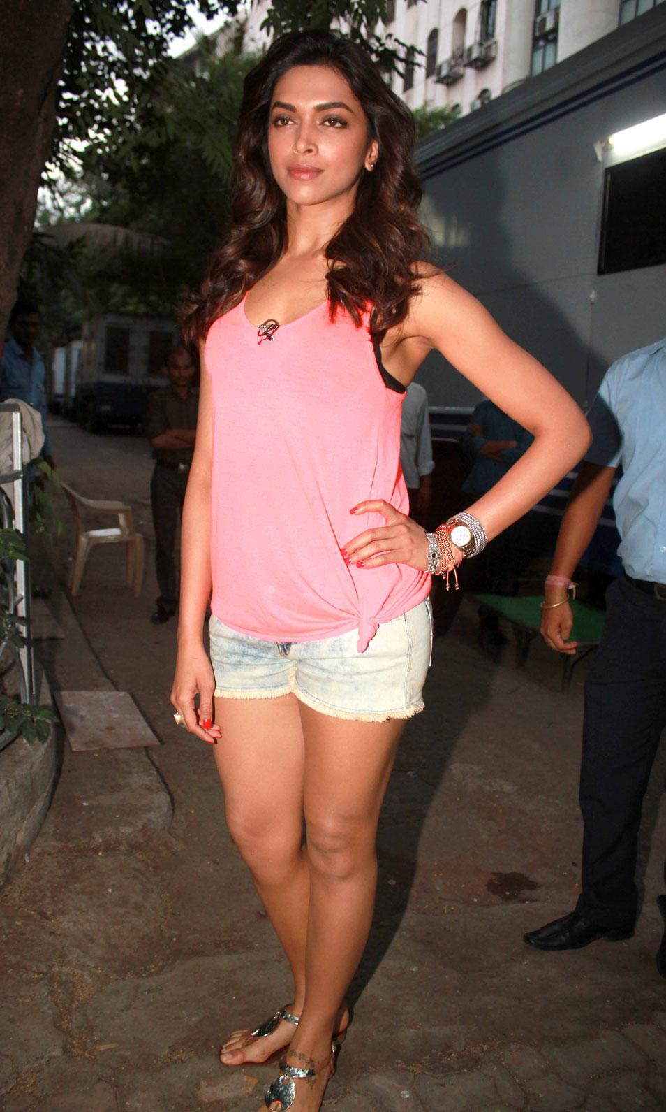 Deepika Padukone Fresh Smile Photo Shoot