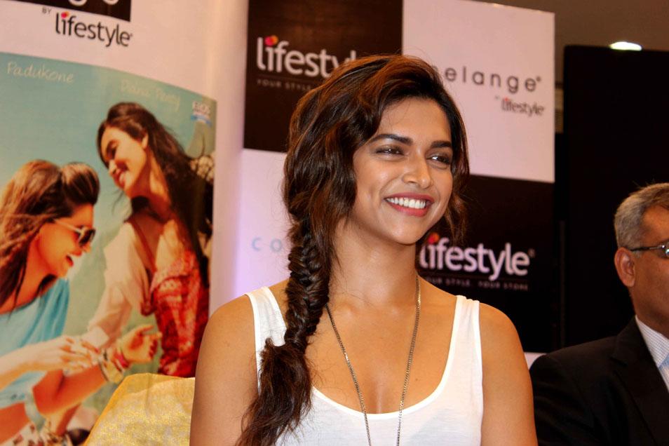Deepika Padukone Beauty Smile Photo